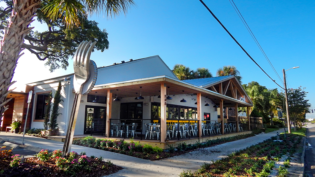 http://www.goinggulick.com/wp-content/uploads/2016/06/Giant-fork-in-front-of-Cask-Social-Restaurant-on-South-Howard-SoHo-in-Tampa-FL-2.jpg